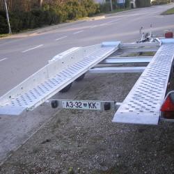 Prikolica za prevoz vozil